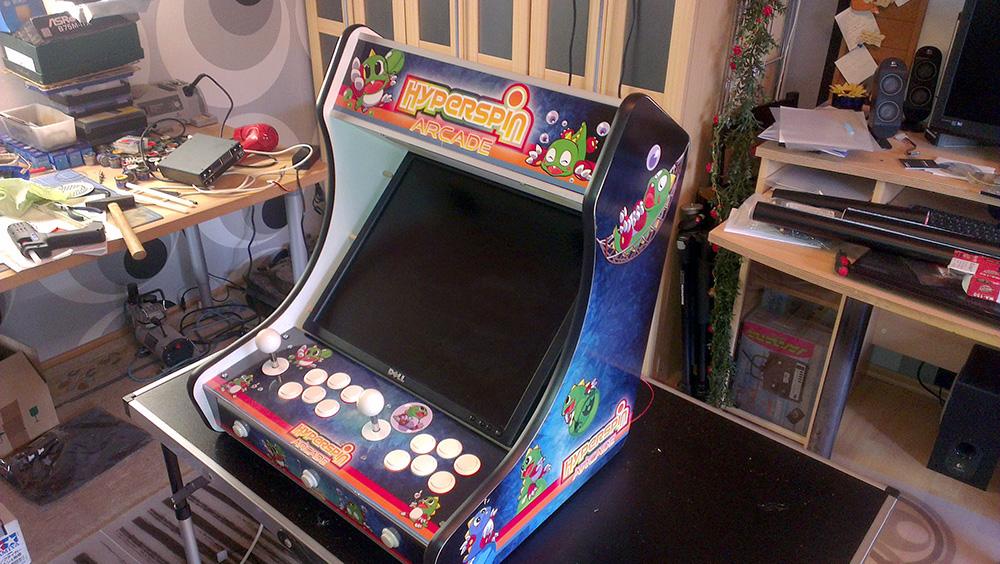 Zockerzimmer einrichten  Apes baut seinen Bartop - Arcade - Circuit-Board